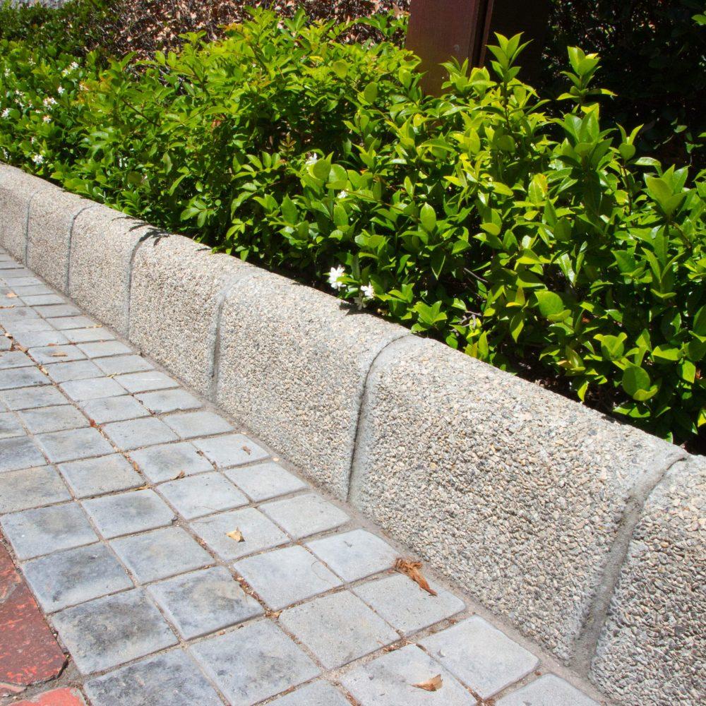 Aggregate paving