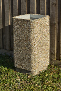 Concrete bin